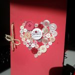Manualidades de amor: tarjeta de corazón de botones