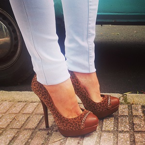 Zapatos de tacón de leopardo