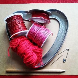 Materiales manualidad romántica Corazón de hilos