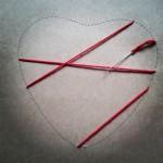Primeras puntadas manualidad romántica corazón de hilos