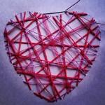 Varios cordeles y lazos manualidad romántica corazón de hilos