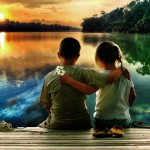 Fondo de pantalla abrazo de niños