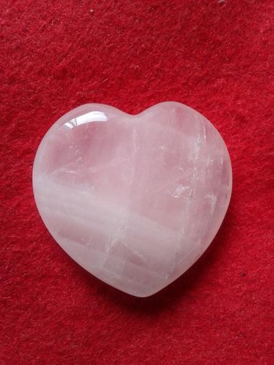 - piedra-del-amor-cuarzo-rosa