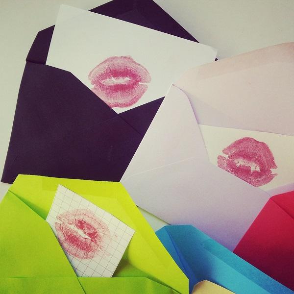 sobres individuales con besos