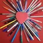 Manualidades de amor corazón con lápices