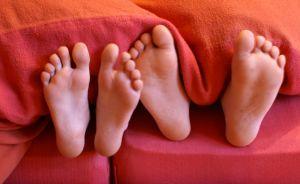 Dormir en la misma cama ¿Beneficioso o Perjudicial?