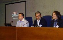 Itziar Villar Directora de Twin Shoes junto con su mentor José Manuel García en Compostweets 2013