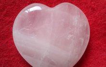 piedra del amor cuarzo rosa